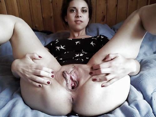 Порно фото девушки демонстрируют свои дырочки