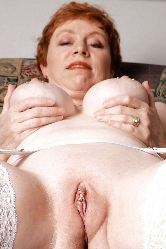 naked slender brunette girl