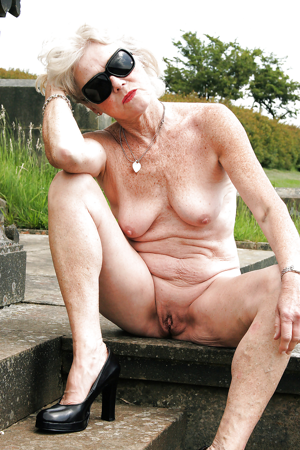 Amateur Mature Pictures Grab A Granny