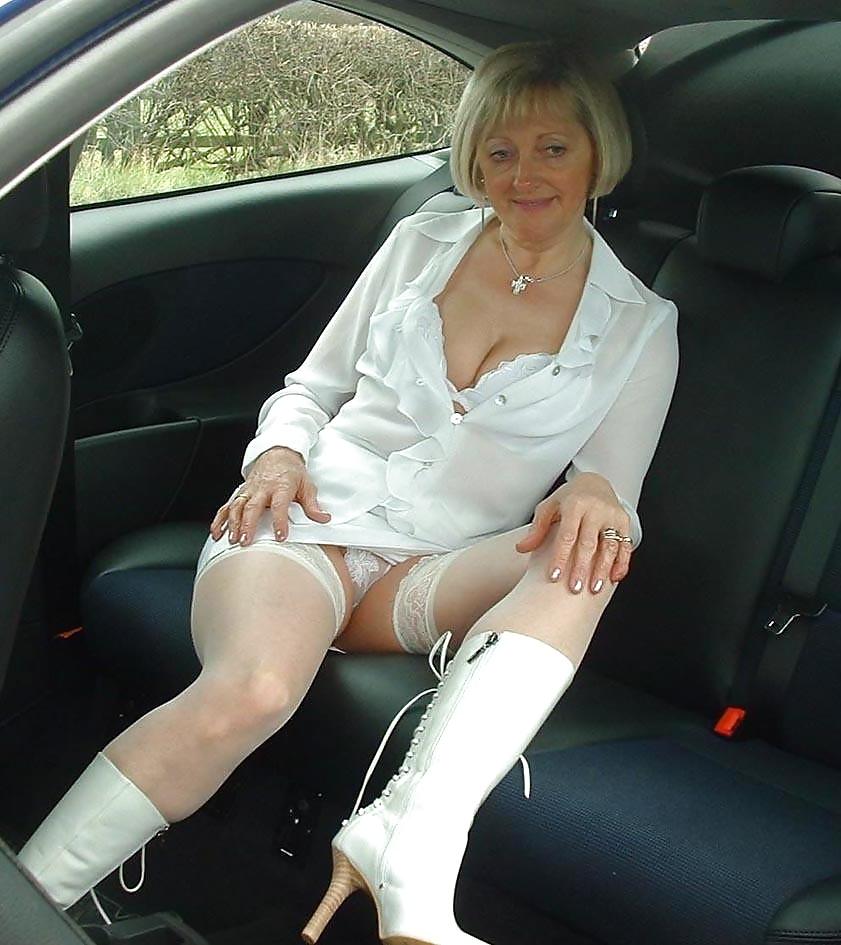 Amateur mature nude pictures