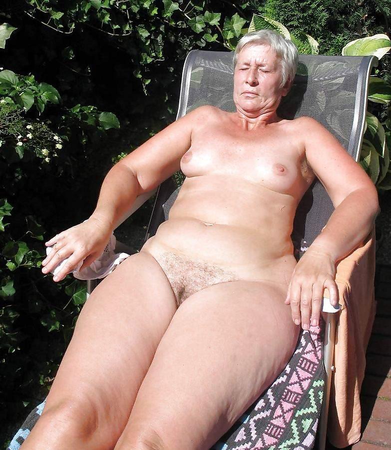 pic Granny nudist